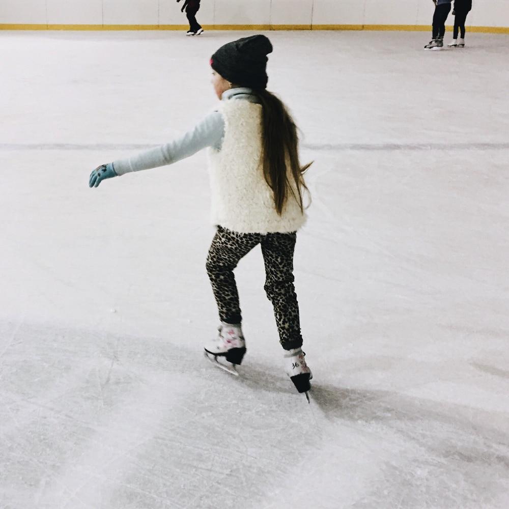 Tots Skate   Ozone Ice Rink Bracknell